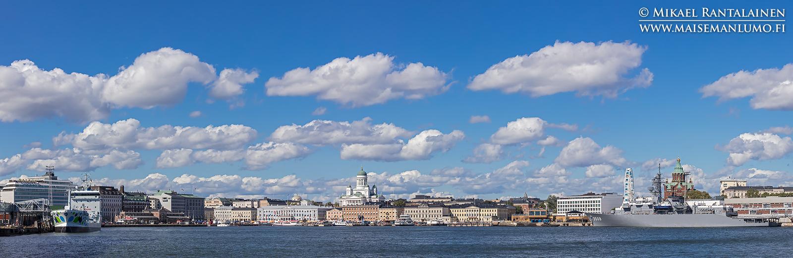 Helsingin siluetti Vallisaaren lautalta (HP200)