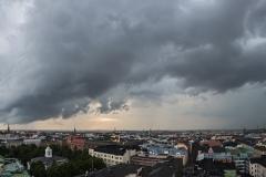Ukkosrintama saapuu, Hotelli Torni, Helsinki (HP138)
