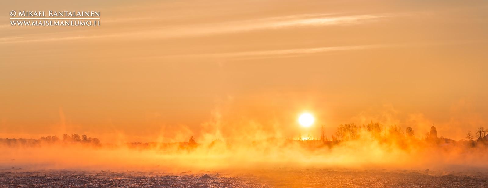 Merisavua Eteläsatamassa, Kauppatori, Helsinki (HP165)