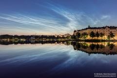 Valaisevia yöpilviä, Eläintarhanlahti, Helsinki (SH317)