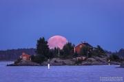 Ryssänsaari ja täysikuu Kauppatorilta, Helsinki