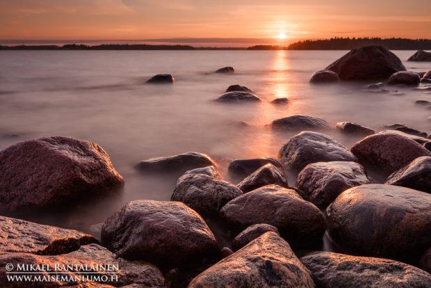 Auringonlasku Lauttasaaressa, Helsinki