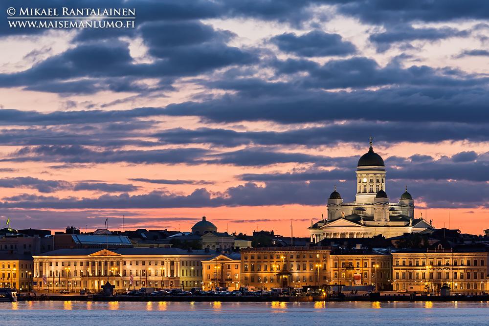 Tuomiokirkko ja Kauppatori Valkosaaresta, Helsinki (803)