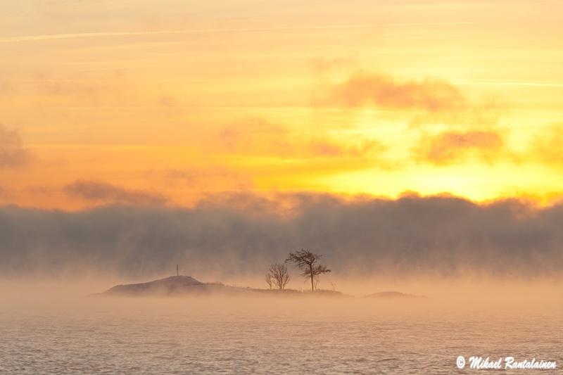 Auringonnousu Kallahdenniemellä