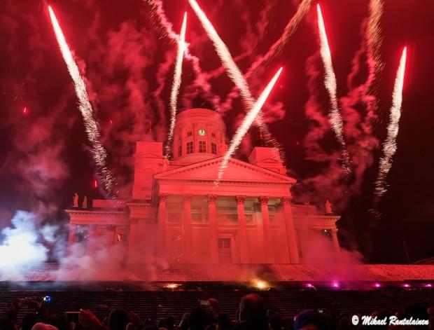 Senaatintorin uudenvuodenjuhlan ilotulitus, Helsinki