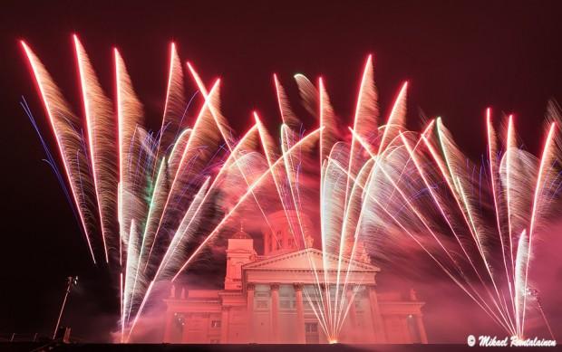 Senaatintorin uudenvuoden 2014 vastaanoton ilotulitus