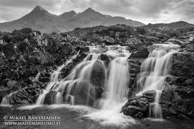 Isle of Skye / Linkki Mustavalkoisia maisemia galleriaan