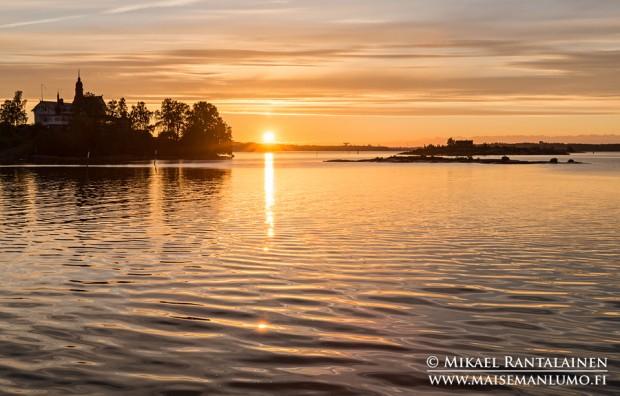 Aurinko nousee Klippanin vierestä, Helsinki
