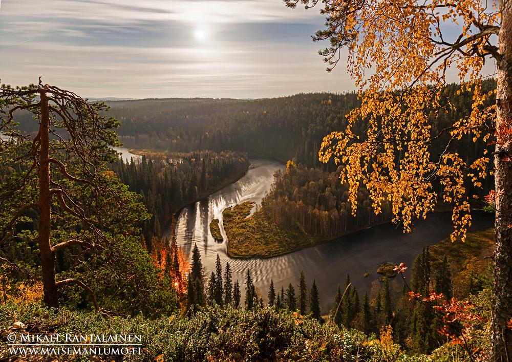 Kuun valaisema maisema, Päähkänäkallio, Kitkajoki, Kuusamo