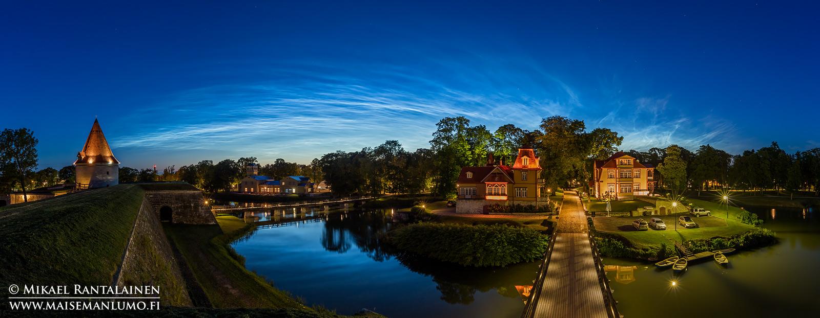Valaisevat yöpilvet, Kuressaari, Saarenmaa, Viro