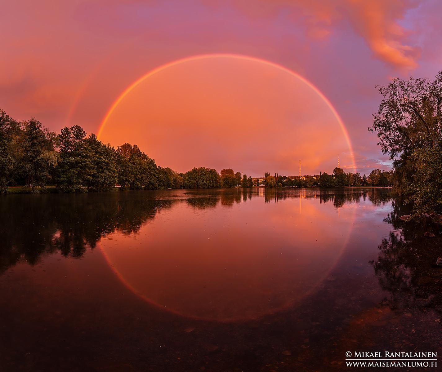 Täydellinen sateenkaari Pikku-Vesijärvellä, Lahdessa