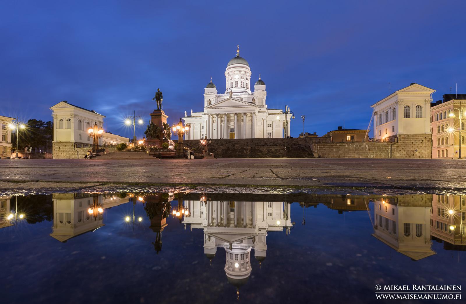 Tuomiokirkko ja Aleksanteri II:n patsas, Senaatintori, Helsinki