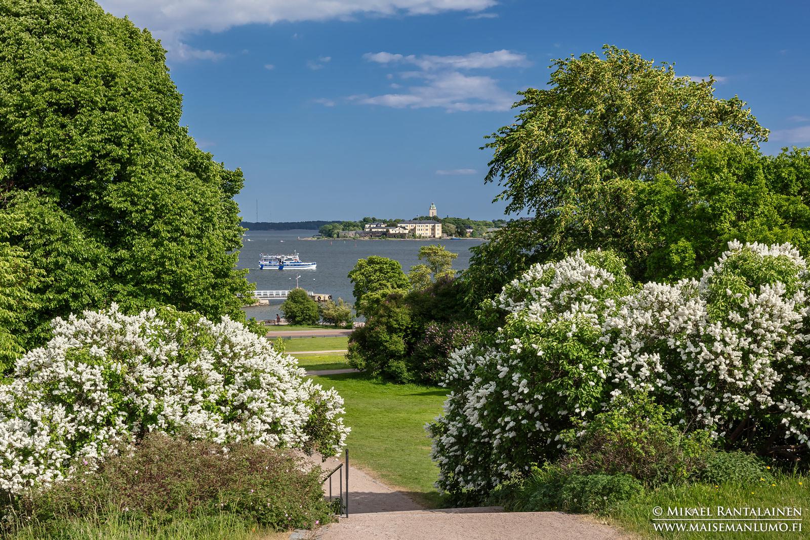 Kevättä Kaivopuistossa, Helsinki