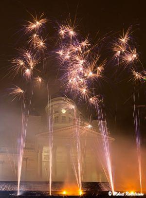 Senaatintorin uudenvuodenjuhlan ilotulitus
