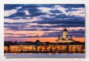 Kesäyö Stadissa, Akryylivalokuva 50x75 cm, 580 euroa