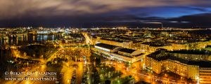 """""""Kaupungin valot"""", Stadionin torni, Helsinki, Joulukuu 2013, Akryylivalokuva 40x100 cm vedos #1, 750 €"""